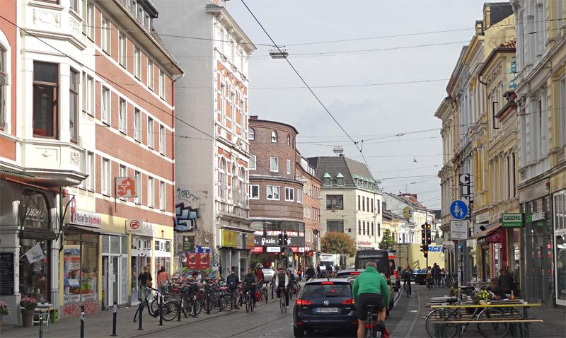 Das quirlige Viertel, und Holtorf (ganz links) mittendrin