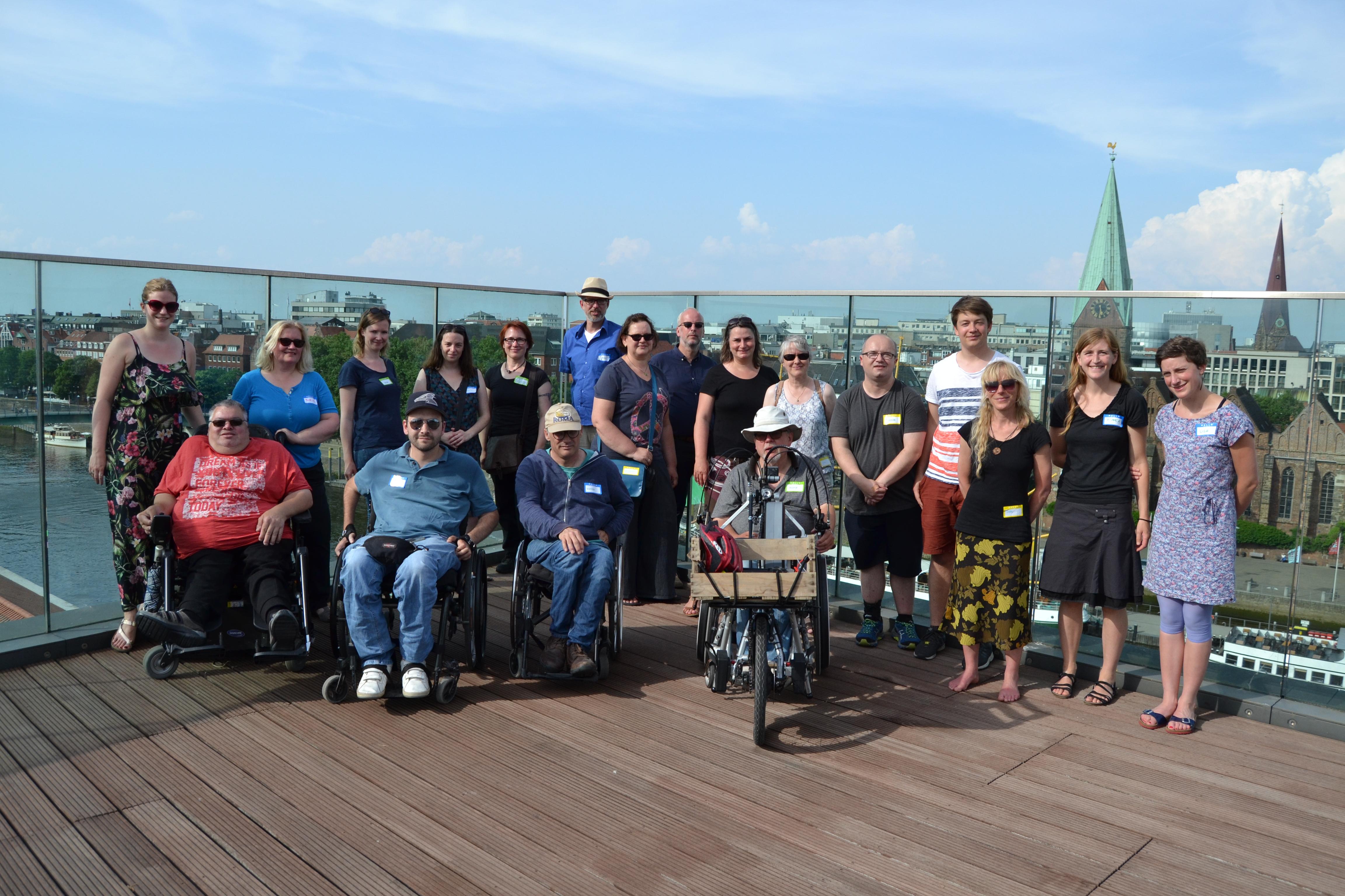 Und zum Schluss: ein Gruppenbild aller Teilnehmer*innen.