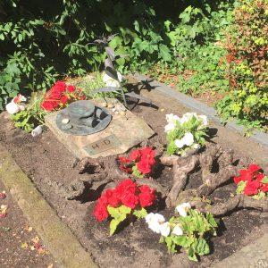 Auch die Grabgestaltung ist in Worpswede nicht gewöhnlich