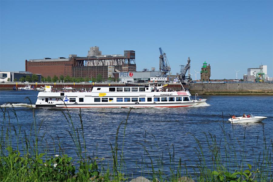 Hafenrundfahrt mit der Hanseat