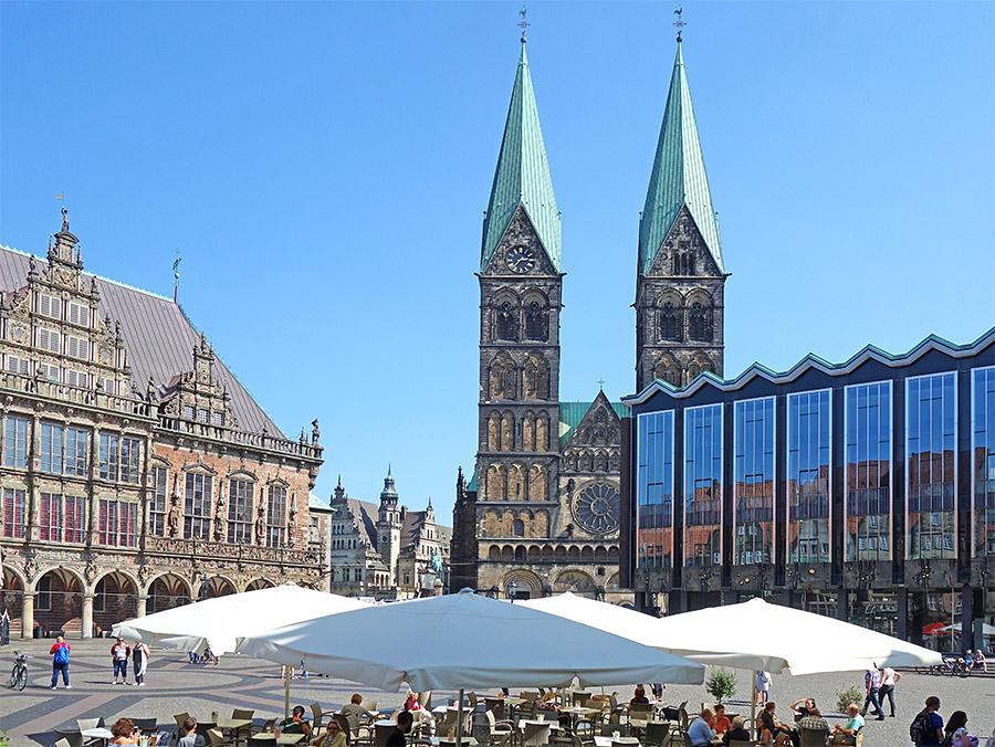 Der Dom am wunderschönen Marktplatz