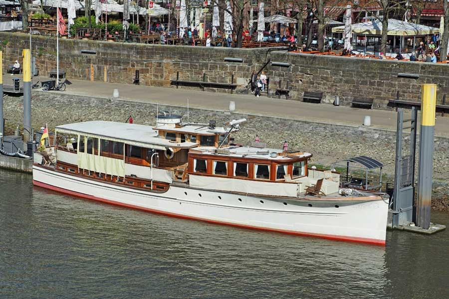 """Im maritimen wie edlen Ambiente der 1920er Jahre heiraten? Geht natürlich auch auf der Weser - an Bord der """"Nevada""""."""
