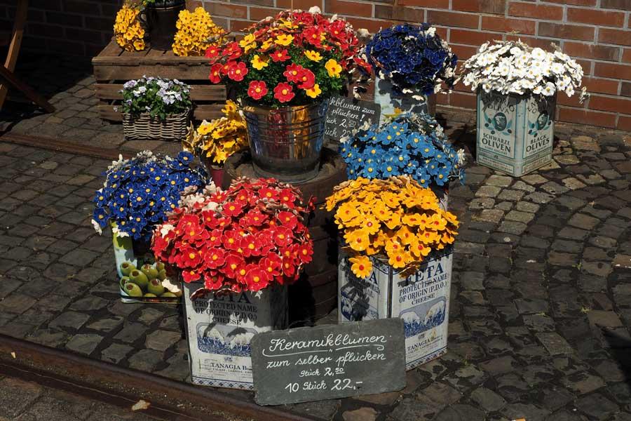 Für diejenigen, die das mit dem Gießen häufiger vergessen: Keramikblumen :)