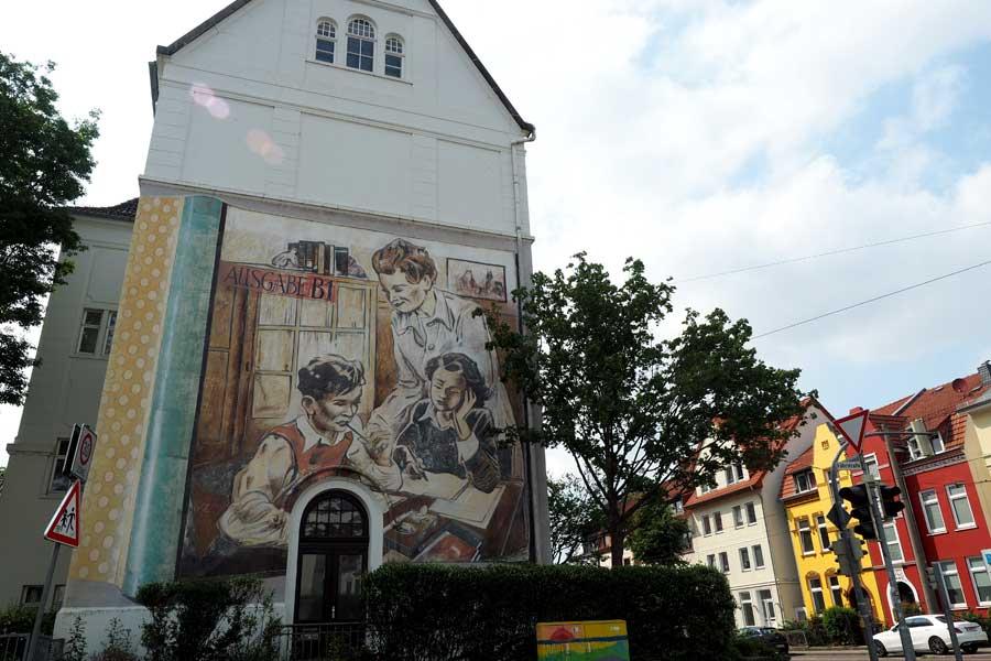 Von Jub Mönster, der im gesamten Stadtgebiet mit mehreren Wandbildern vertreten ist.