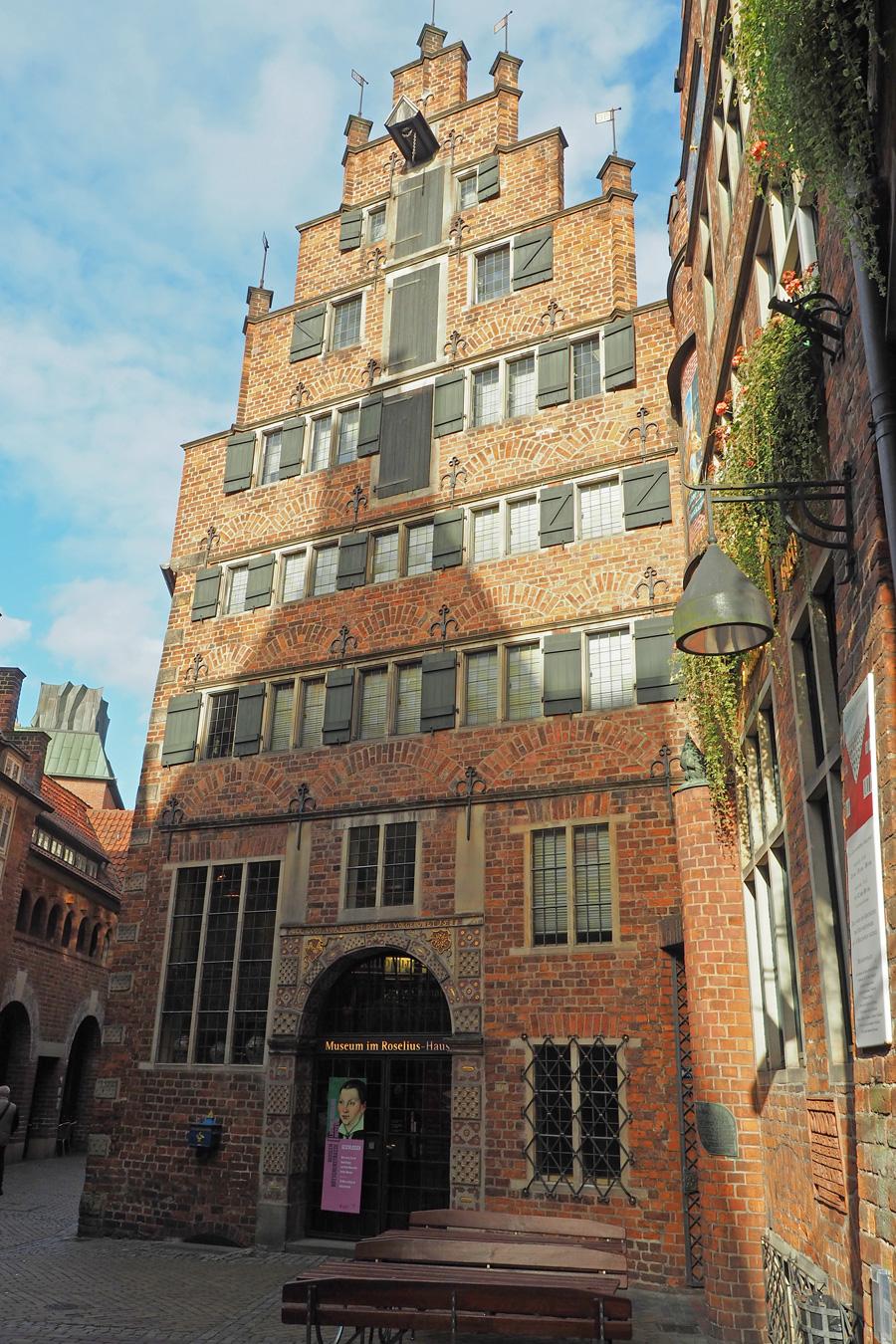 Stufen- statt Spitzgiebel: Roselius ließ kurzerhand das Gebäude aus dem 16. Jahrhundert in ein klassisches Patrizierhaus verwandeln.