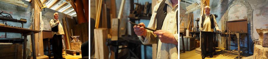 Beschläge und Werkzeuge wurden in der hauseigenen Schmiede hergestellt.