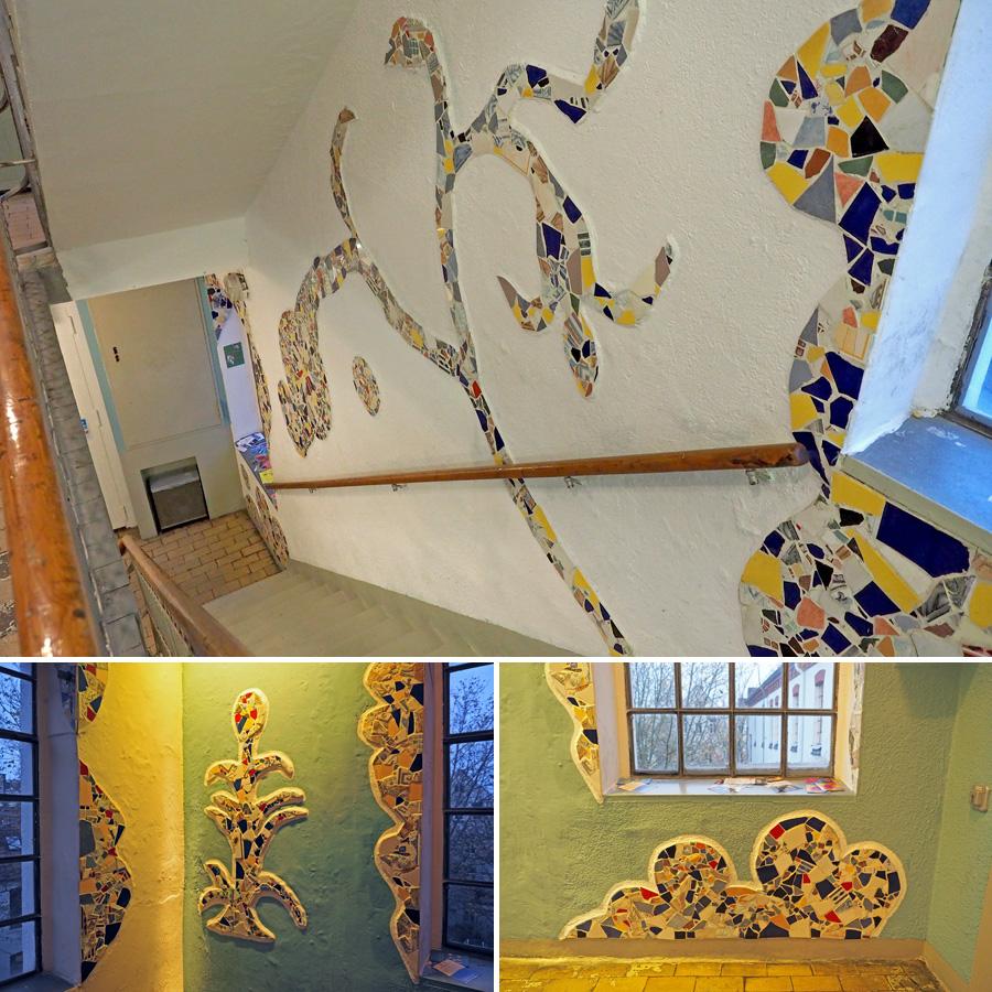 Durch das Treppenhaus ziehen sich Mosaikbilder, die einst eine spanische Künstlerin im Auftrag geschaffen hat.